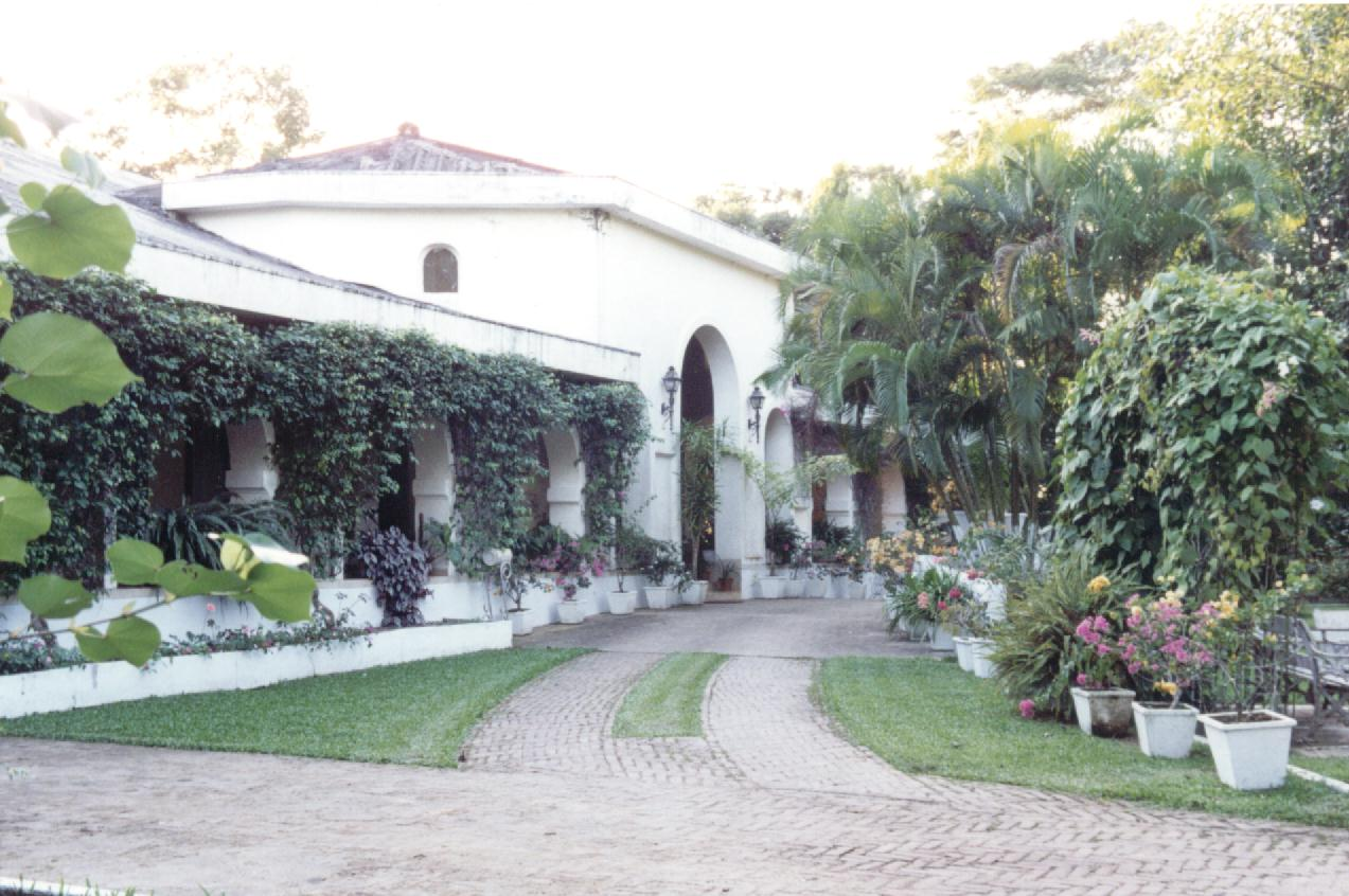 The Amgoorie Tea Estate Managers Bungalow In Assam British Colonial Garden Bungalows Of India